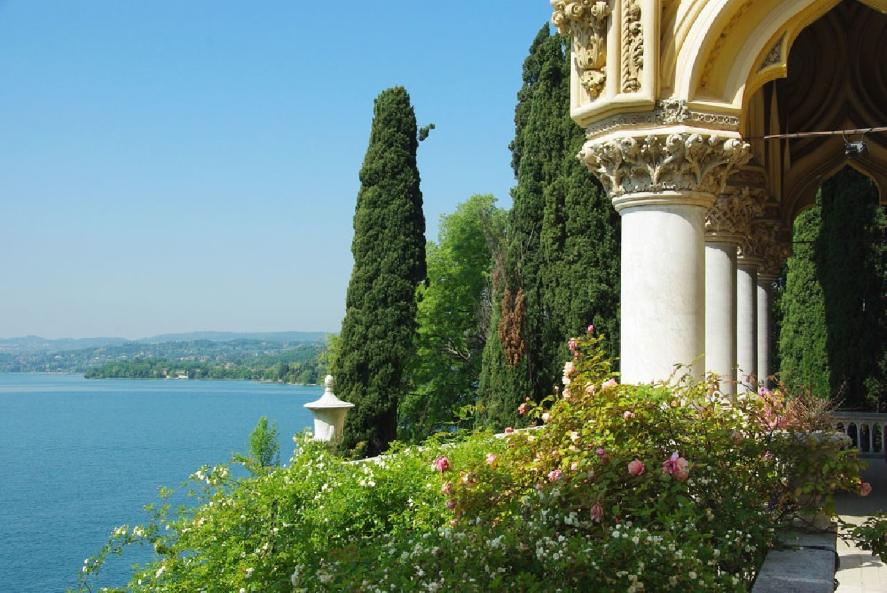 ISOLA DEL GARDA SALA romantiskos vestuves italijoje saloje
