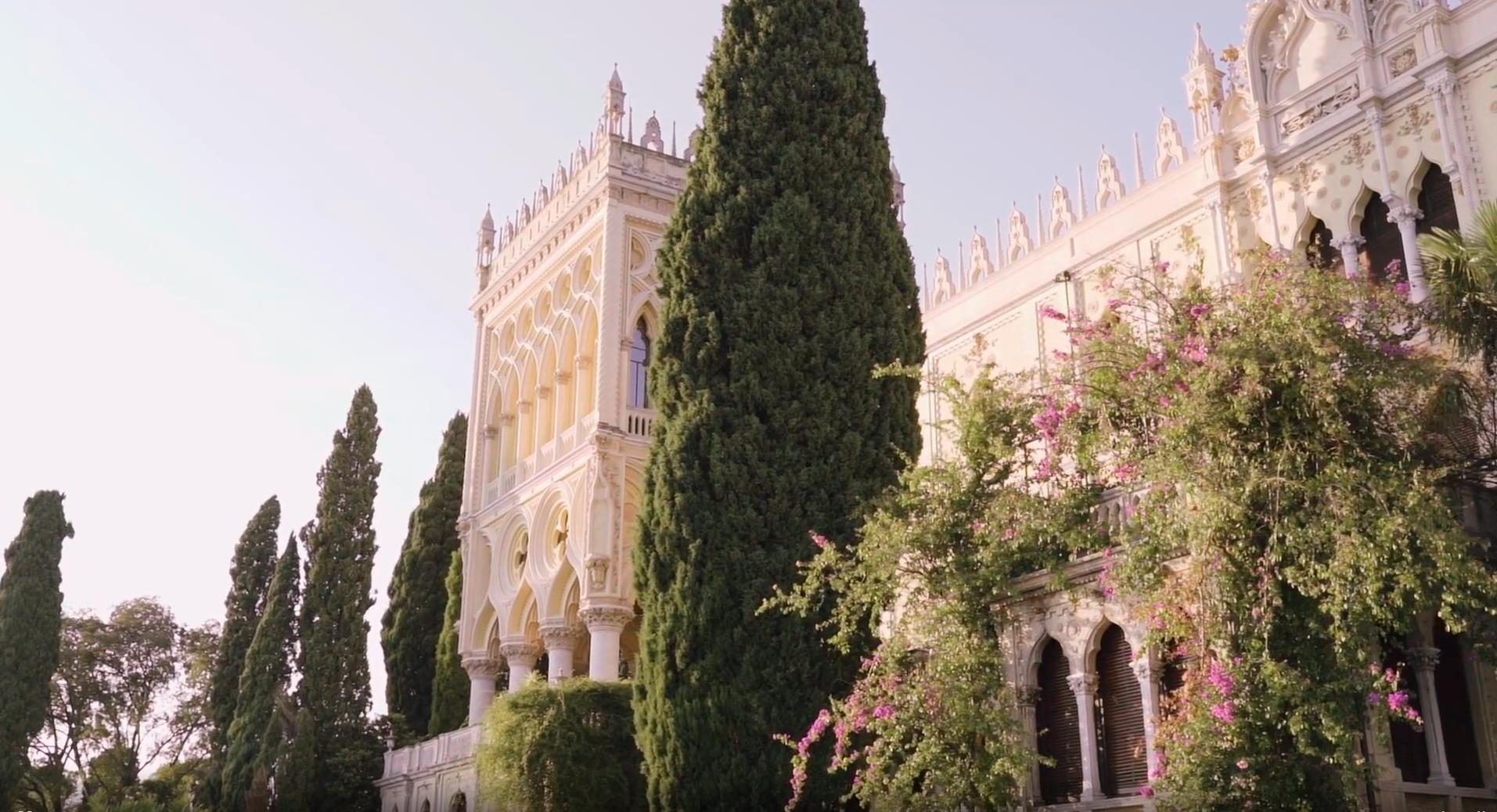 romantiskos vestuves italijoje saloje